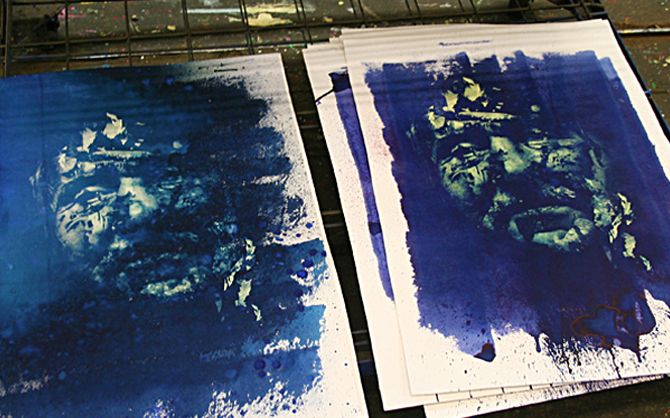 Vhils - screenprinting with ink and beach